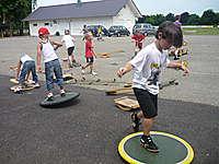 Geschicklichkeits-Spieletag mit dem Pedalo-Spielmobil